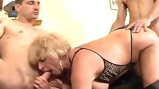 Plenteous mammories grannie in hip high leather footwear go nasty in MFM 3some sexvideo