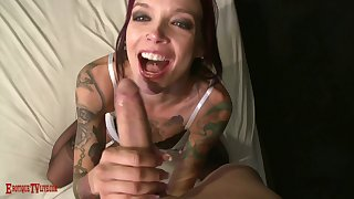 Tattooed baeb Anna Bell Peaks makes him eat her pussy before shafting