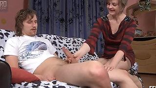 Gerontophilic Hippie Wants A sustenance Russian grannie sextube