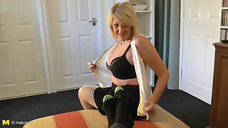 He receives an historic blowjob by mature blondie Amy