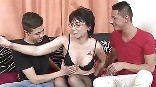 Insatiable moms get their older slots abundant in youthfull boners sextube