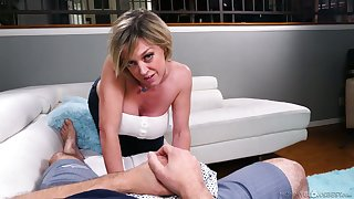Ardent blowlerina Dee Williams is boost to treat her shine nearly a titjob