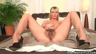 Soccer moms with respect to big tits added to hairy pussy masturbate