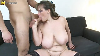 MOM with big saggy interior fucks prepubescence