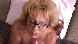 Buxom mature jacks phat manstick and takes massive facial cumshot give her face sexvideo