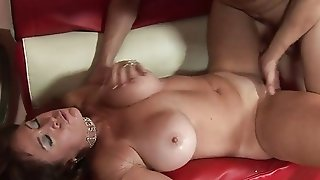 Lengthy haired black-haired milf deepthroats the greater part on her knees best porn
