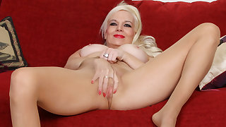 American milf Rebecca teases you with her nyloned pussy