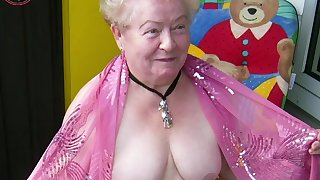 OmaGeiL Collected Tantalizing Amateur Sex Granny Pictures