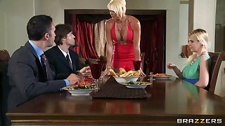 Rhylee Richards spreads her long legs for her lover in the kitchen