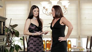 Dirty FFM threesome with sluts India Summer and Michelle Lay